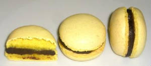 COOKIE/macarons_passion_cocoa_wh.JPG